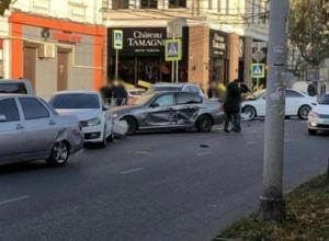 В центре Краснодара произошло массовое ДТП
