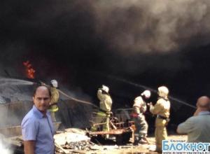 В Краснодаре на территории завода произошел пожар