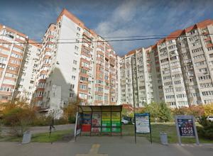 Пенсионерка погибла в результате падения с 12 этажа в Краснодаре