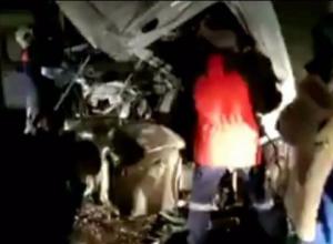 В страшной аварии на Кубани чудом выжил водитель фуры
