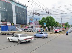 Мэрия Краснодара обвинила автомобилистов в сбоях работы трамваев