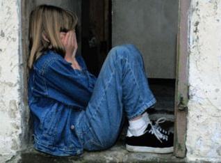 Педофил изнасиловал малолетних родственниц в лесополосе и снимал это на видео в Краснодаре
