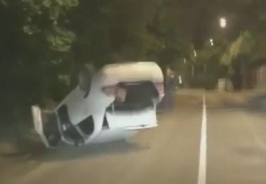 В Новороссийске «очередной спиди-гонщик» перевернул автомобиль