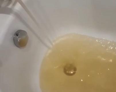 Новый водопровод принес в отравленный поселок Краснодарский «апельсиновый сок»