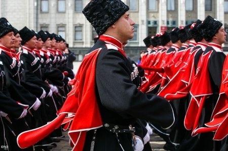 За хорошую работу губернатор Кубани попросил повысить зарплату казакам