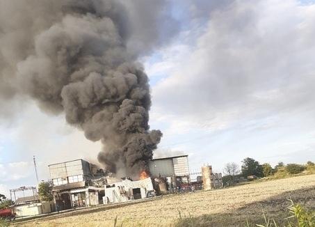 Пожар под Краснодаром: вБелозерном полыхает завод попереработке сои