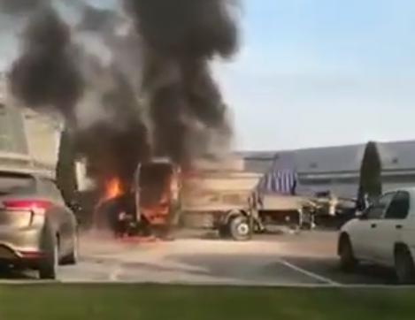 Возле краснодарского аэропорта сгорела «ГАЗель»