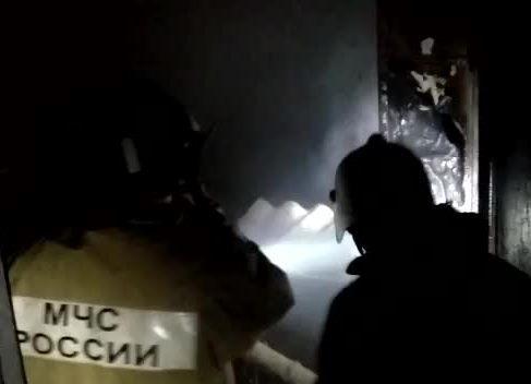 Пожар на территории школы в Краснодаре потушили