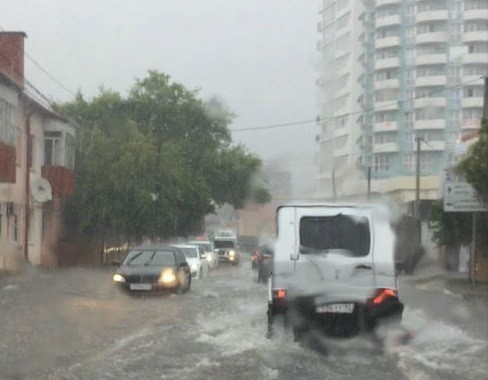 Вода ушла: подтопления после сильного ливня в Адлере ликвидировали