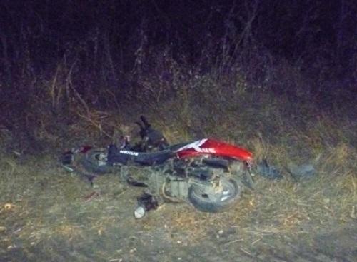 В Кущевском районе трое подростков перевернулись на скутере