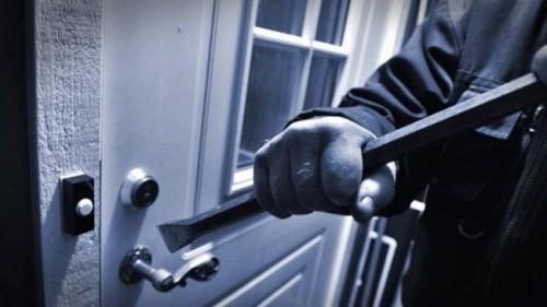 В Майкопе мужчина украл у пенсионера продукты из дома