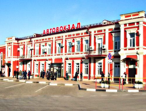 В Краснодаре на вокзале молодые люди избили и ограбили собутыльника