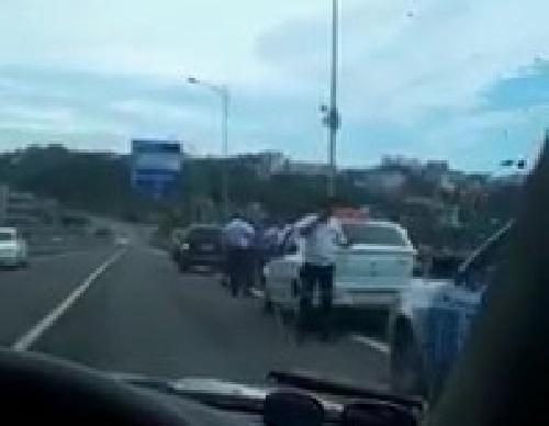 СМИ: Похищение таксиста и пассажира предотвратили в Сочи