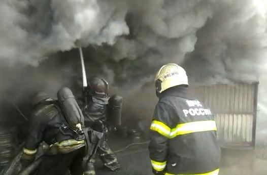 Один из пострадавших при пожаре на нефтебазе в Новороссийске скончался
