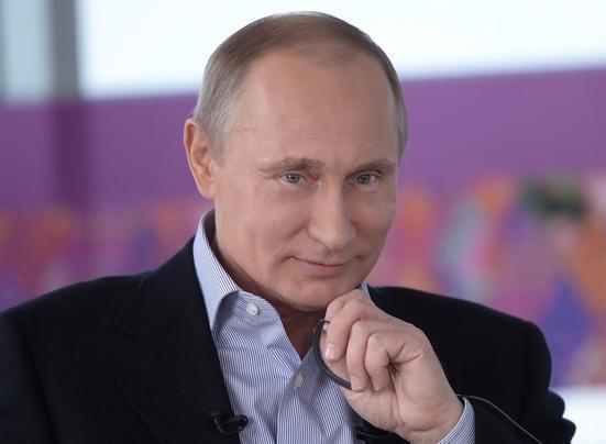 Путин предложил паралимпийцу Алексею Мошкину прокатиться совместно налыжах вСочи