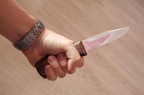 В Краснодаре стажер угрожал своему начальнику ножом