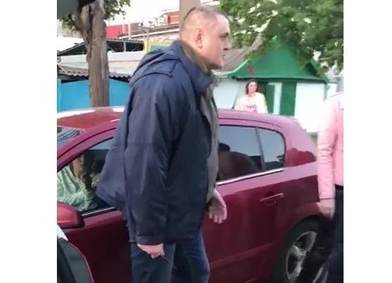 Достал нож и ударил: ДТП перешло в драку в Краснодаре