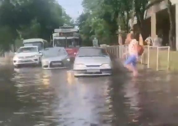 Мэр Краснодара снова пообещал службу для содержания ливневых сетей
