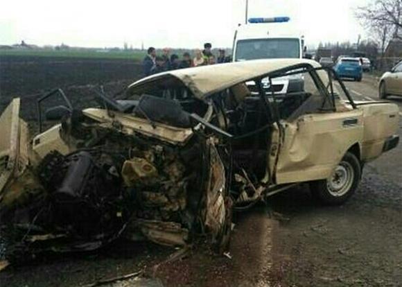 На Кубани автомобилист разбился насмерть в лобовом столкновении с грузовиком