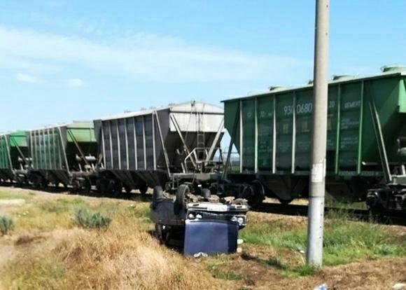 Легковушку протаранил поезд в Краснодарском крае