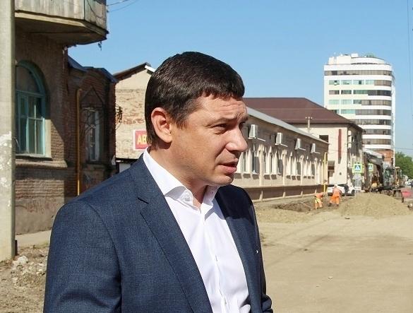 Даже мэру смешно: Первышов пошутил про состояние улицы в Краснодаре