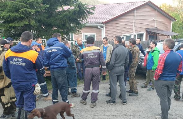 Спасатели нашли двух женщин, которые ушли в лес за грибами в Сочи