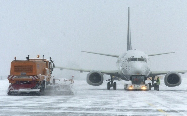 Из-за сильного снегопада закрыты аэропорты Краснодара и Анапы