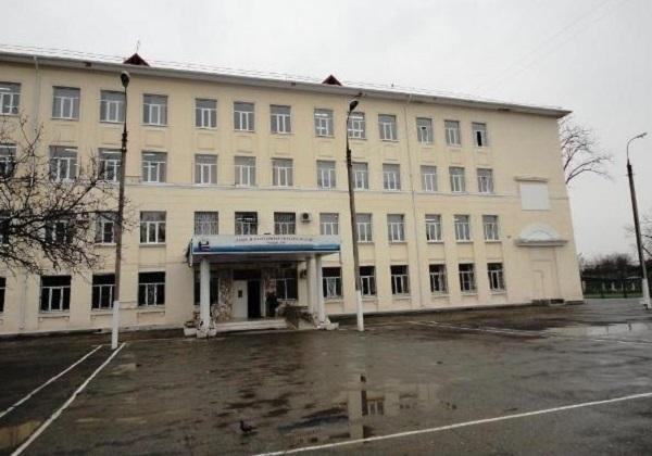 ВКраснодаре ветер оставил школу без крыши