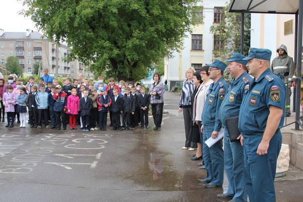 Жителя Лазаревского района осудили за ложное сообщение о бомбе в школе