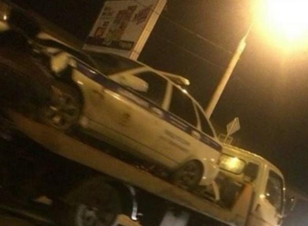 «Лень постоять 5 минут»: в Краснодаре иномарка врезалась в патрульную машину, есть пострадавшие