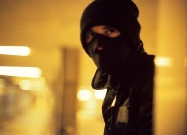 В Краснодаре задержали грабителей в масках, совершивших налет на продуктовый магазин