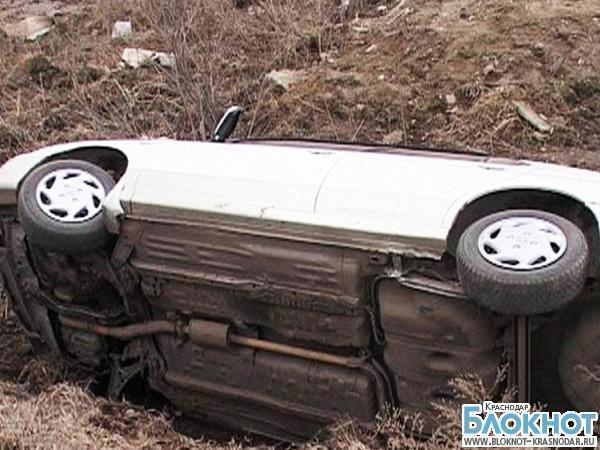 В Успенском районе автомобиль съехал с дороги