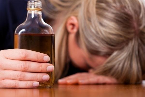 Краснодарка выпила бутылку коньяка и вернулась на место преступления