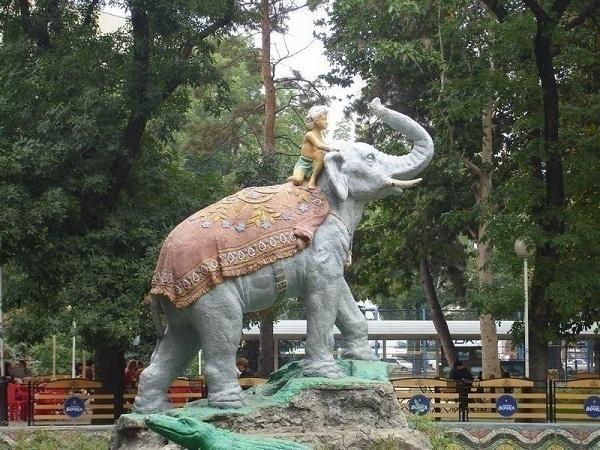 Краснодарскую скульптуру «Индийского мальчика на слоне» воссоздадут на Урале