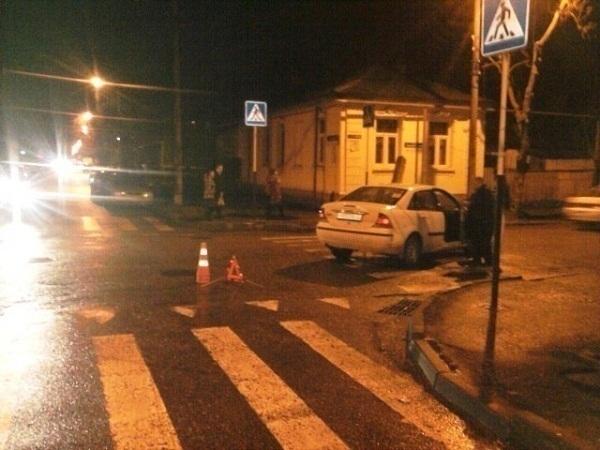В Краснодаре «Форд» сбил пенсионерку на пешеходном переходе