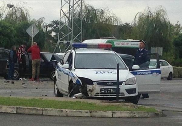 ВКраснодаре инспектора ГИБДД при оформлении трагедии сбила «Нива»