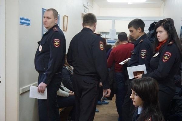 В Геленджике полицейские сдали более 12 литров крови