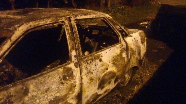 В Прикубанском округе Краснодара сгорел отечественный автомобиль