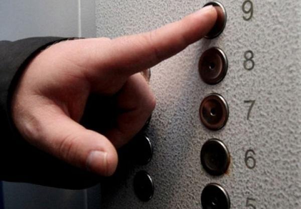 В Новороссийске назвали причину обрушения лифта с человеком