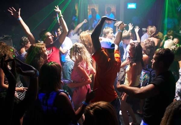 В ночном клубе Геленджика ухажер обокрал свою пассию