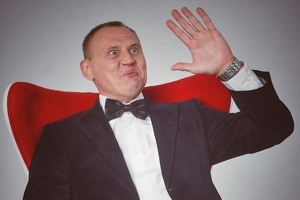 Звезда шоу «Дом-2» в Сочи изменил жене с мужчиной