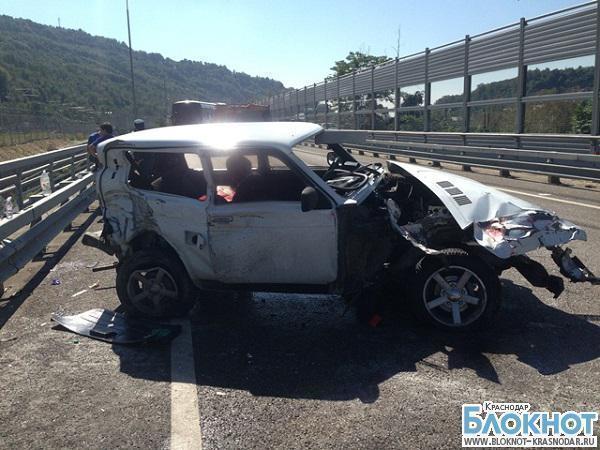 В Сочи в аварии пострадали девушка и два ребенка