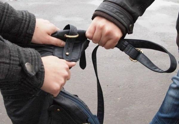 На Кубани грабитель пытался скрыться от полиции на такси