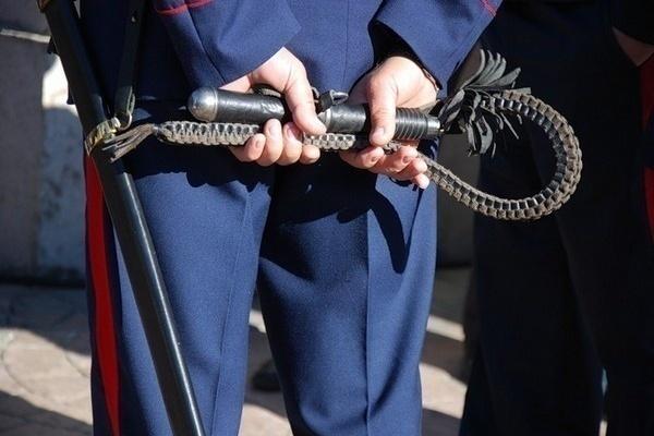 На Кубани воспитатель казачьего корпуса избил кадетов нагайкой