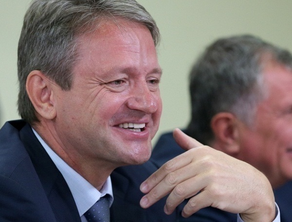 Ткачев пообещал к 2020 году полностью обеспечить Россию фруктами