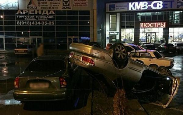 В Краснодаре виновник жесткого ДТП очень торопился и скрылся с места аварии