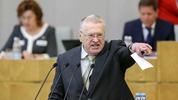 Жириновский предложил не наказывать хавбека «Краснодара» Мамаева и его друга Кокорина, а отправить их в Сирию