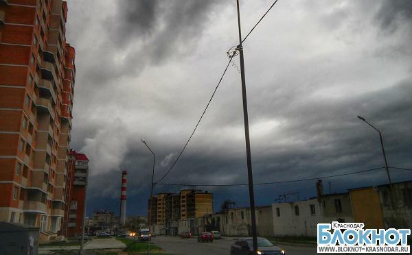 В Краснодарском крае из-за сильного ветра объявлено экстренное предупреждение