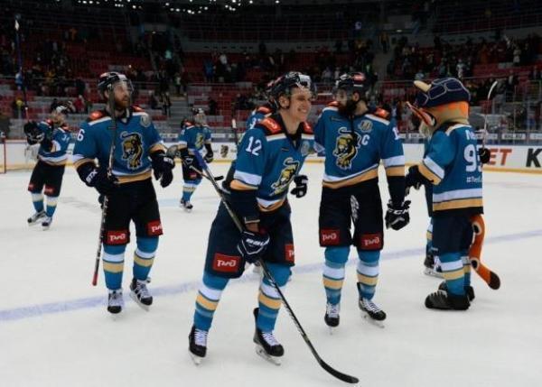 Очередным «фиаско» на домашнем льду закончилась игра ХК «Сочи» с москвичами