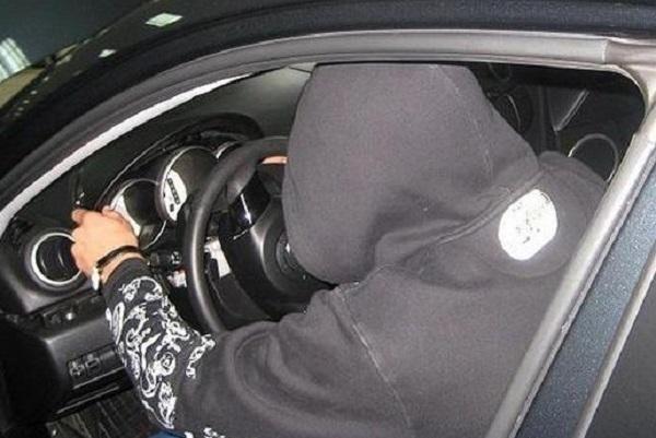 Житель Кубани угнал автомобиль, чтобы поехать в роддом к своей возлюбленной